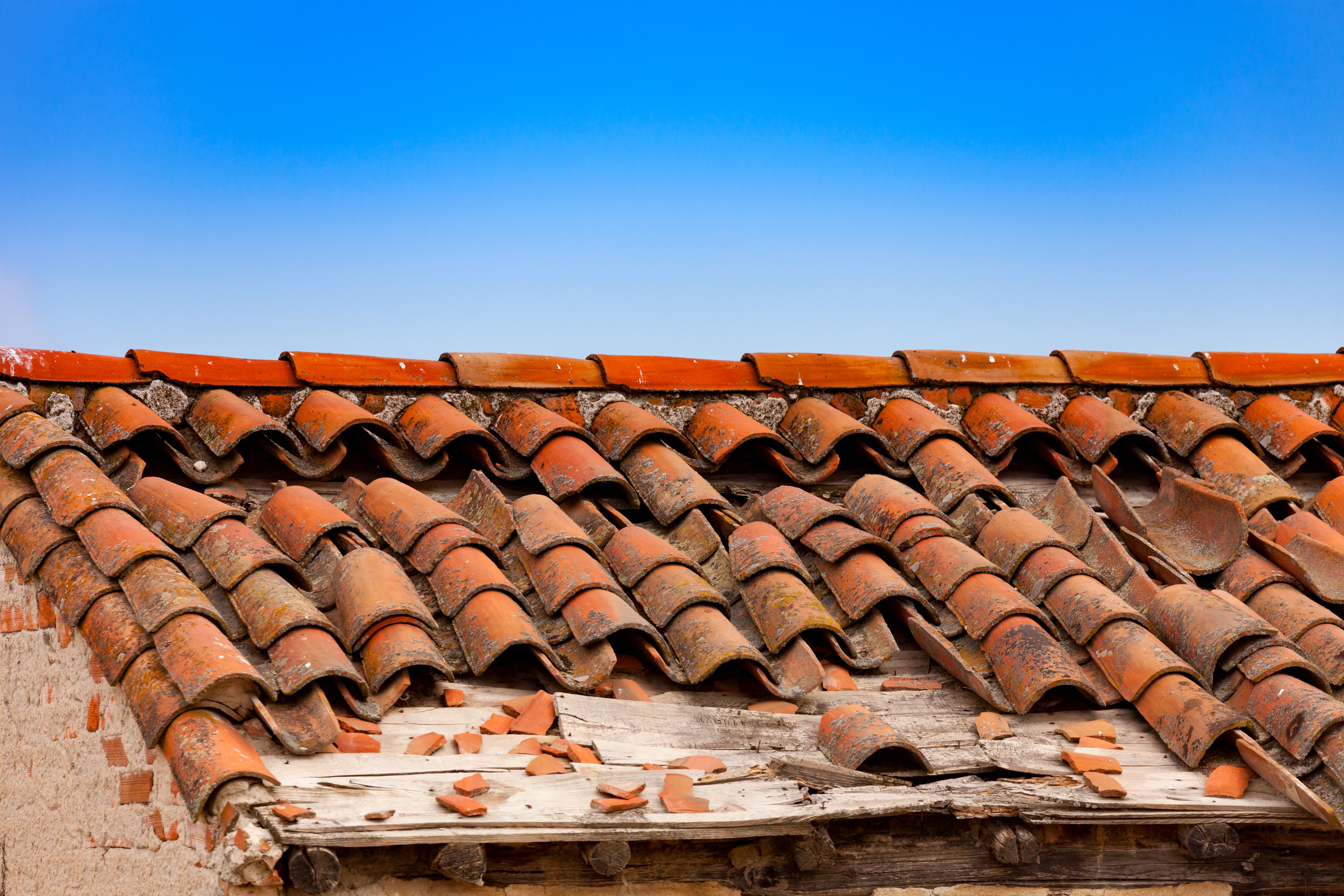 Wind Damage Can Happen Even With A Tile Roof Cox Roofing